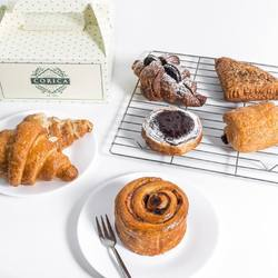 We have a gorgeous selection of pastries available everyday at our outlets. Come by or get it via Go-Food for contactless delivery.🤗